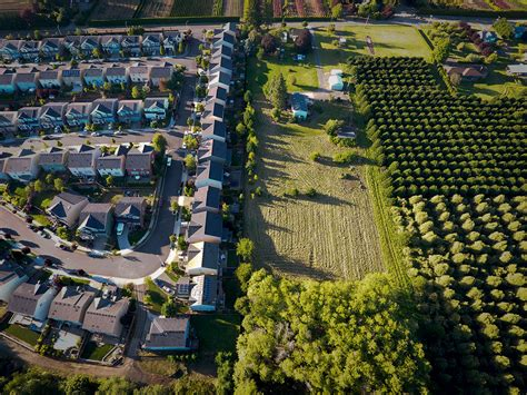 Portland's Urban Growth Boundary Plots City Versus Country ...