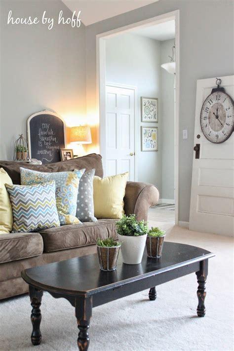 best 25 gray living room walls brown ideas on brown sofa grey walls brown