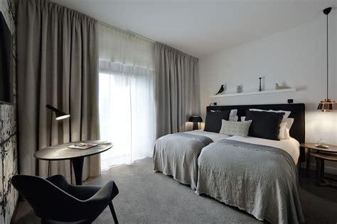 femme de chambre hotel de luxe chambre luxe centre de rennes chambre deluxe hôtel