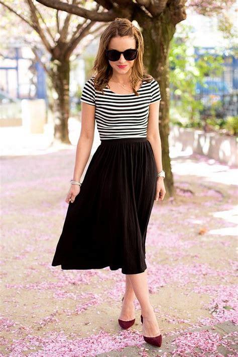 The 25+ best Black midi skirt ideas on Pinterest | Midi skirt outfit Long black skirt outfit ...
