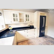 Hbh Eastbourne An English Shaker Cream Kitchen With A