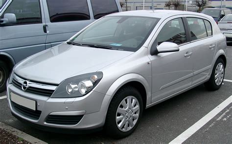 Opel Astra 1 6 by Opel Astra 1 6 2009 Auto Images And Specification