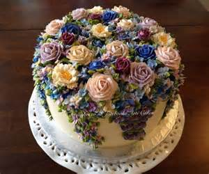 Pretty Cake Buttercream Flowers