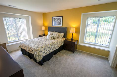 Oaks At Hampton Apartments, Rochester Hills Michigan (mi