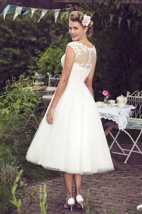 mae vintage inspired  lace short wedding dresses