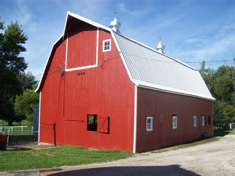 pictures of barns iowa barn foundation preserving iowa s rural buildings