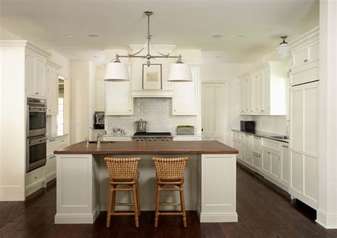 small kitchen with cabinets trim color cabinet color is it benjamin cotton 8104