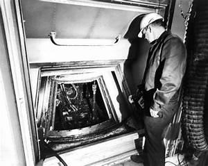 Apollo 1 Fire Bodies - Pics about space