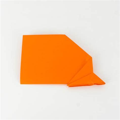wie bastelt einen papierflieger papierflieger anleitung 33 38 einfach basteln