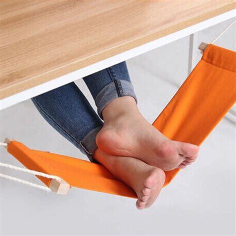 pied pour bureau le mini hamac pour les pieds amène un air de vacances au