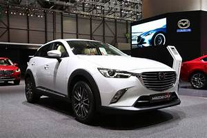 Nouvelle Toyota Chr : toyota c hr qui sont les rivaux du nouveau crossover hybride mazda cx 3 l 39 argus ~ Medecine-chirurgie-esthetiques.com Avis de Voitures