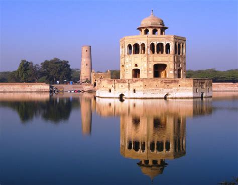 Top Historical Places in Pakistan That You Must Visit - Lens