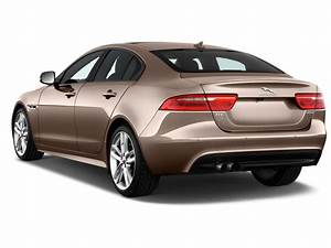 4 4 Jaguar : image 2017 jaguar xe 4 door sedan 20d r sport rwd angular rear exterior view size 1024 x 768 ~ Medecine-chirurgie-esthetiques.com Avis de Voitures