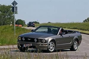 Ford Mustang Gt Cabrio : ford mustang gt cabrio im test bilder ~ Kayakingforconservation.com Haus und Dekorationen