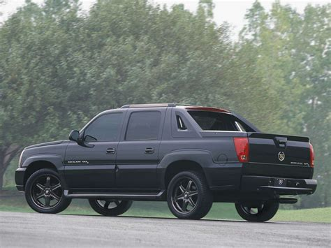 the cadillac escalade ext might come back for 2017 model year cadillac escalade ext 2002 picture 6 of 16