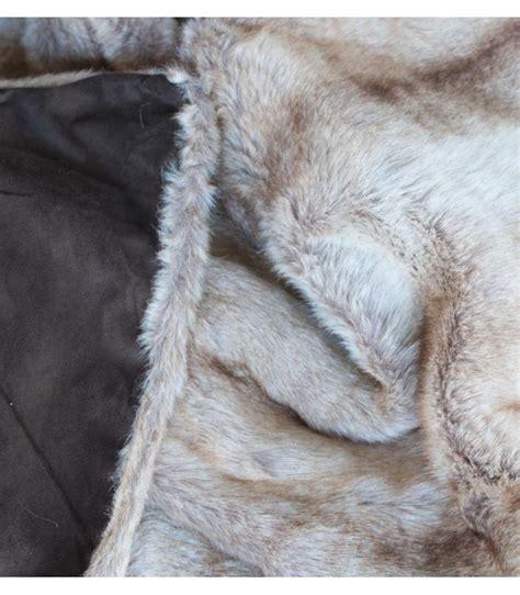 plaid fausse fourrure les 25 meilleures id 233 es de la cat 233 gorie plaid fourrure sur couverture de fourrure