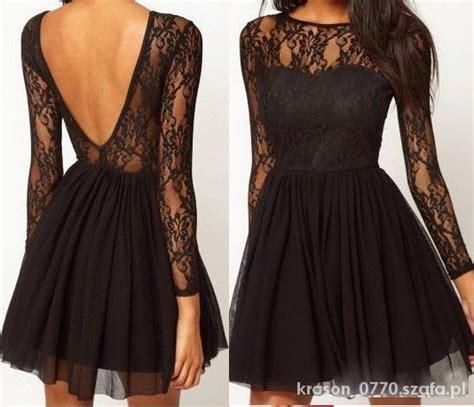 sukienka czarna koronkowa rozkloszowana plecy w ubrania