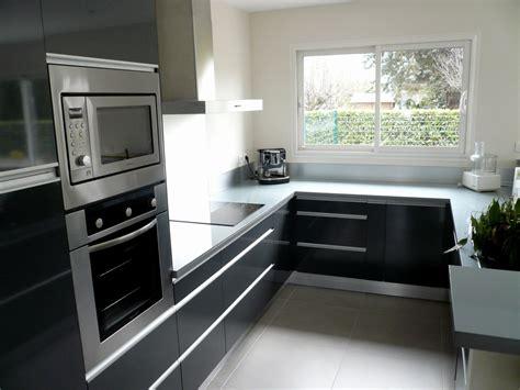 cuisine equipee noir cuisine équipée noir et gris cuisine en image