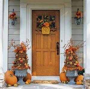 Decorate Your Front Door for Thanksgiving