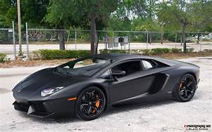 Black Lamborghini Aventador | Important Wallpapers