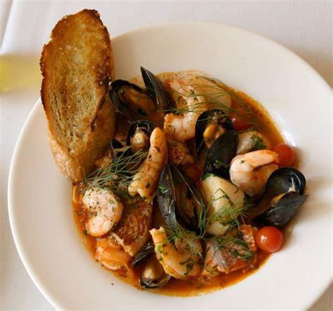 cacciucco soupe italienne de poisson  coquillages