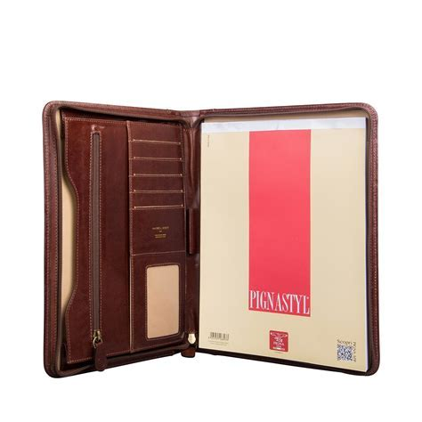 The Dimaro   Zipped Leather Business Folder