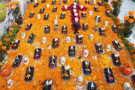 How to Celebrate Day of the Dead in Mexico