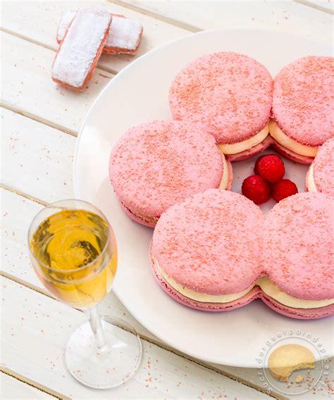 recettes de cuisines faciles le macaron rémois macaron géant aux biscuits roses