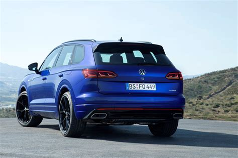 Volkswagen Touareg R: first details of this 155mph SUV ...