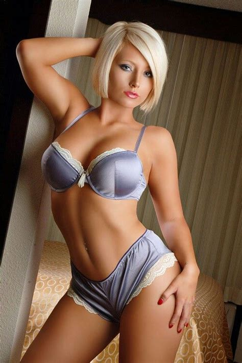 Short Blonde Hair In Satin Purple Silver Panties And Bra With White Lace Violet Et Crme