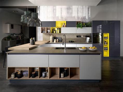 x cuisine cucine a isola un blocco centrale che coniuga estetica e