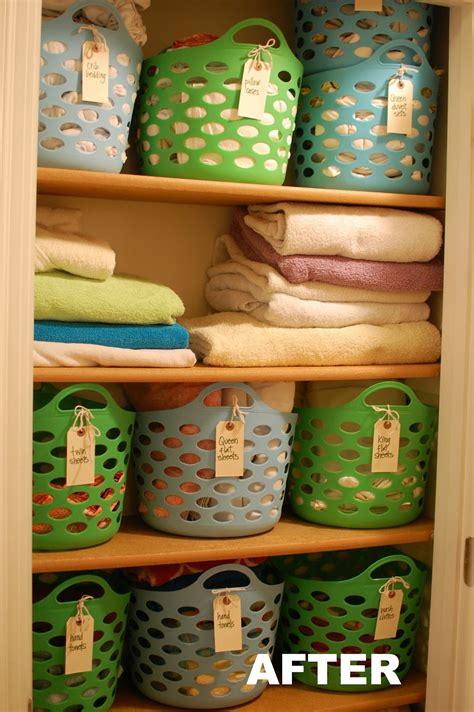 Linen Closet Baskets by 10 Linen Closet Redo