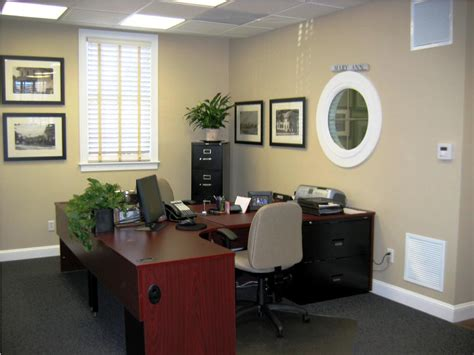 Amazing Of Work Office Decorating Ideas On A Budget From #5485