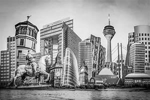 Berlin Schwarz Weiß Bilder : d sseldorf schwarz wei collage auf leinwand und acryl mit rheinturm ~ Bigdaddyawards.com Haus und Dekorationen
