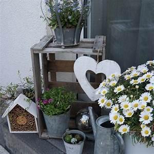 Eingangsbereich Außen Dekorieren : hauseingang dekoration blumen obstkiste deco ideas heart flowers copyright by ~ Buech-reservation.com Haus und Dekorationen