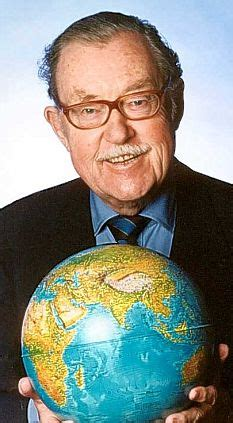 globetrotter alan whicker  packing  bags