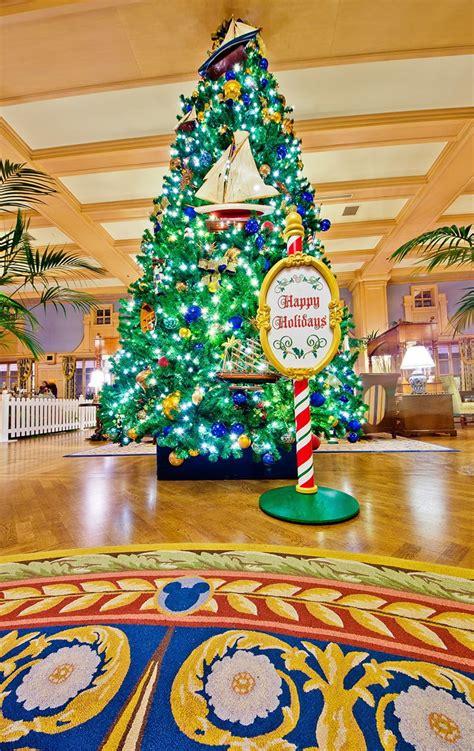 disney world resort christmas decorations  disney