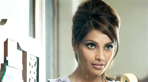 Bipasha Basu Beautiful HD wallpaper