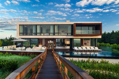 Creative Oceanfront Home Designed To Accommodate Flood