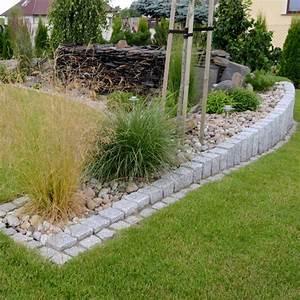 Steine Für Beete : granit palisaden 20 ideen f r sch ne gartengestaltung ~ Lizthompson.info Haus und Dekorationen