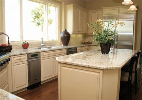 WL Rubottom Cabinetry Cream Finished Eagle Maple Kitchen