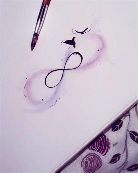 tatouage infini signification idees  modeles