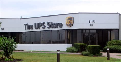 contact   ups store
