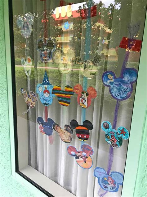 disney decorations tips for decorating your disney resort window
