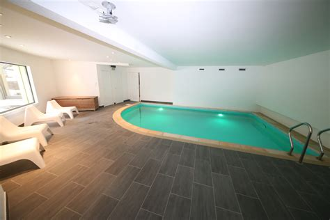 piscine dans la chambre location maison de vacances jura piscine intérieure athome