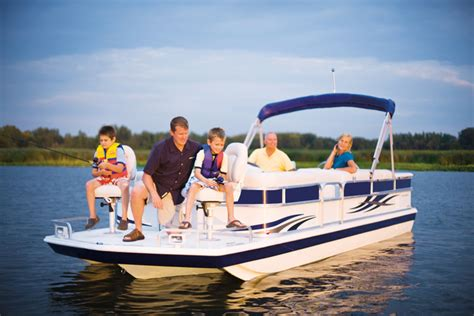 Hurricane Wakeboard Boats by Research 2014 Hurricane Deck Boats Fundeck Fd 226 F Ob