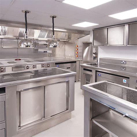 étude réalisation montage de cuisine professionnelle en