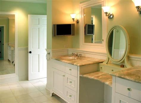 White Vanity Makeup Station by 16 Best Images About Hay Vanities On