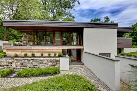 5 Midcentury Modern Homes Near Philly You Can Buy Right