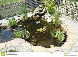 Gartenteich Mit Wasserfall : gartenteich mit wasserfall stockfoto bild 25846920 ~ A.2002-acura-tl-radio.info Haus und Dekorationen